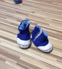 Zimski čevlji za dojenčka 6-12 mesecev