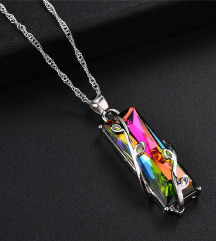Srebrna ogrlica iz mavričnega kristala