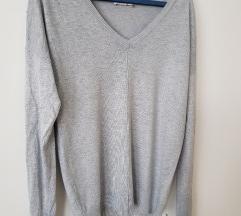 Nov siv pulover na V s 3D pikami