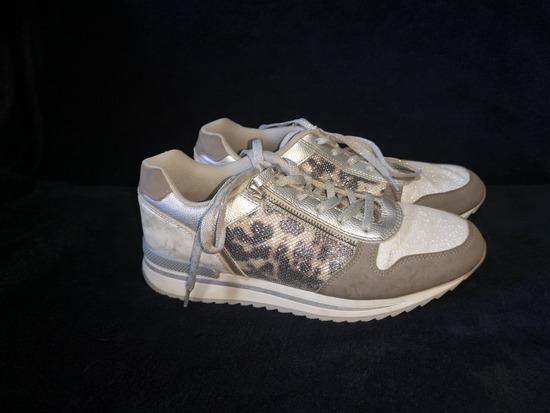 Ženski čevlji