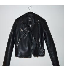 NOVA črna jakna (ptt vključena)