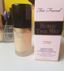 TOO FACED Born this way - Swan
