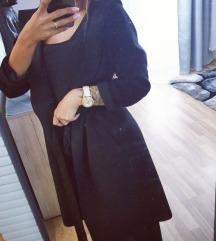 Zara plasc s kapuco in pasom