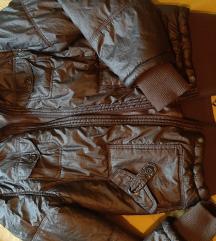 Kratka svetleča bunda