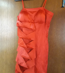 kratka elegantna rdeča obleka