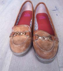 Novi Usnjeni čevlji