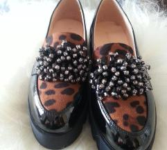 Lak čevlji