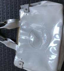 Calvin Klein torbica nošena zato je taka cena
