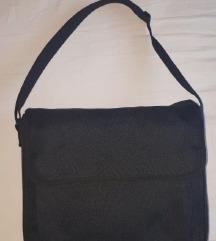 Črna univerzalna torba za čez ramo