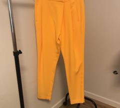 Zara rumene hlace