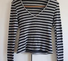 Črtasta majčka/pulover z V izrezom