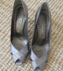 usnjeni srebrni sandali