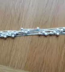 Zapestnica srebrna