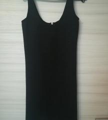 Črna oprijeta obleka
