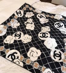 Chanel originalna svilena ruta - mpc 500 evrov