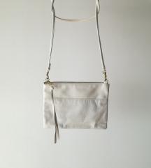 Manjša bela torbica