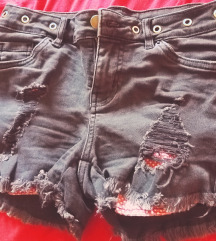 NOVE ripped jeans