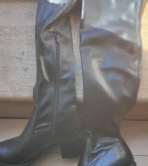 Škornji nad kolenom