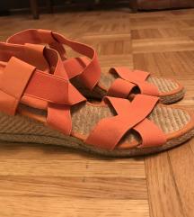 simpatični sandalčki s petko