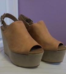 Divited sandali