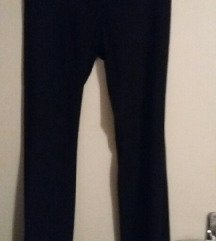črne dolge hlače Max&Co