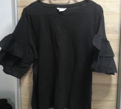 Črna majica z volančki