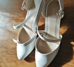 Lakasti sandali