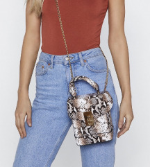 Majhna torbica s kačjim vzorcem