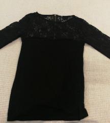 Črna majica s čipko