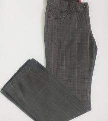 Sive kariraset hlače