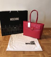 Love Moschino rdeča torbica z etiketo