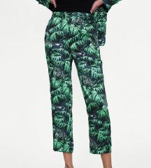 Zara jungle print satenaste hlače