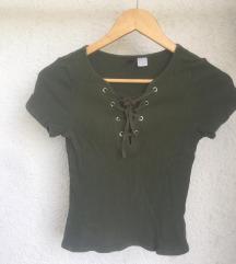 Majica z vrvicami