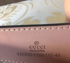 Gucci pas