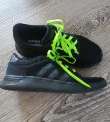 Adidas teniske, brezhibne, številka 35