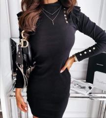 Črna oblekica z gumbki