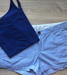 komplet kratke hlače in modra majčka
