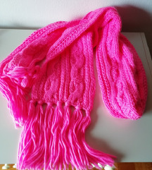 Neon roza zimski šal