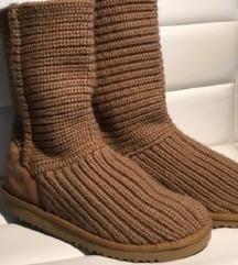 UGG škornji (mpc 230€)