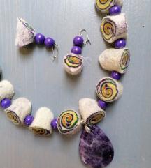 Ogrlica in dva para uhančkov iz filca