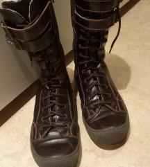 Usnjeni škornji 37