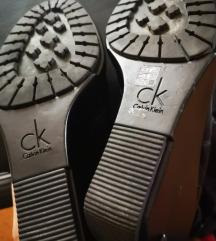 Calvin Klein 39