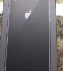 Iphone 8, NOV, 610€