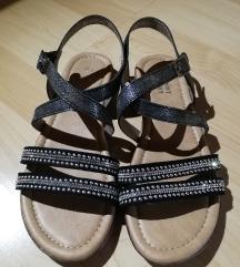 Čisto novi sandali 38