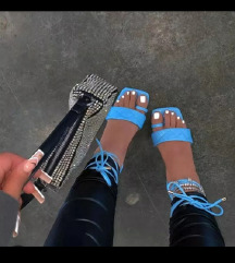 Square toe sandali
