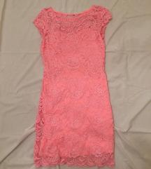 Roza čipkasta obleka