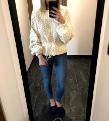 NOV Zara kvačkan pulover