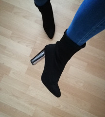 Čevlji s peto
