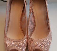 Roza semiš čipkast sandal s polnim podplatom