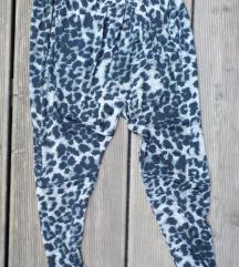 hlače, tigraste elastične široke, haremke